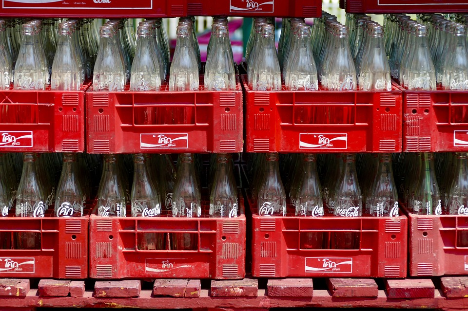 Returnable glass bottle